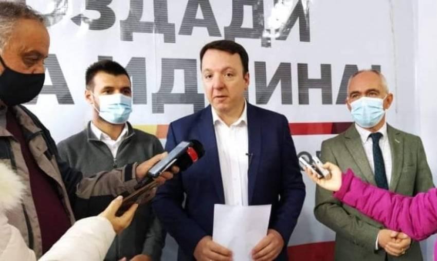 """На Николовски му се """"врза"""" јазикот за поврзаност меѓу Стентонот со Груевски, Мицковски, Талески и Милевски"""