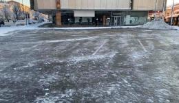 ЈП Паркинзи ги исчисти од снег отворените и затворени паркиралишта во Битола